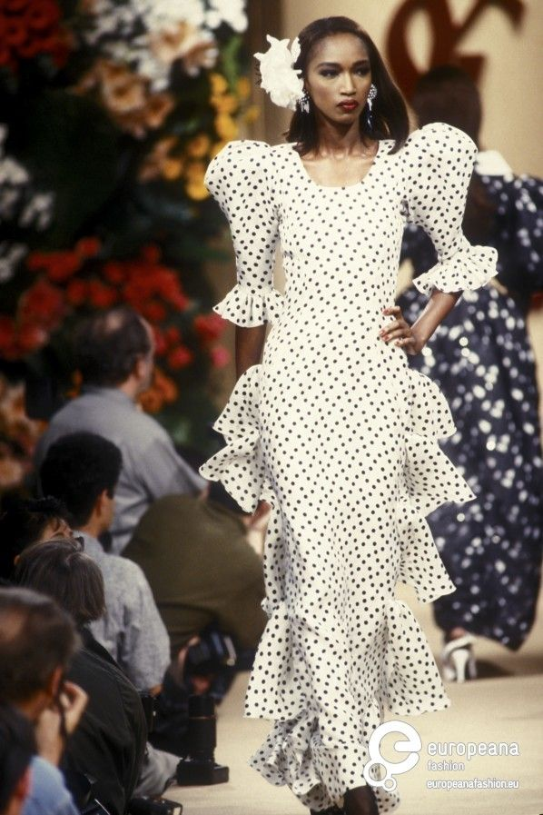 yves saint laurent spring summer 1992 couture beautiful brown black queens people - Meilleur Coloriste Paris