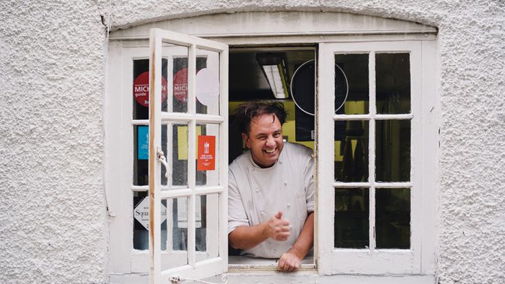 CHEF OF THE DAY – CUOCO DEL GIORNO  Simon Bonwick | The Crown Restaurant