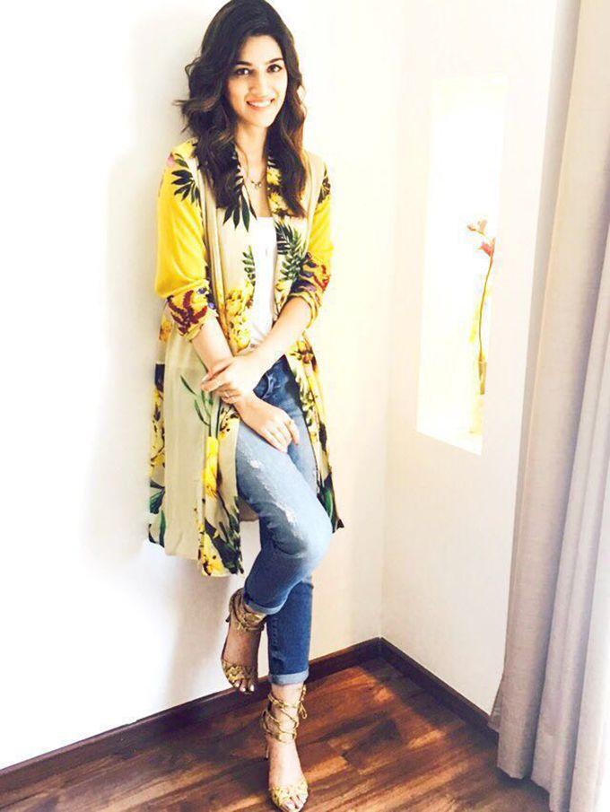 She is soo pretty!I LOVE HER DRESS!