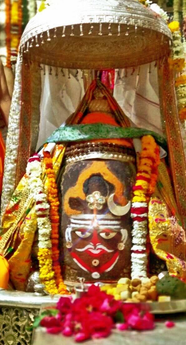 Feb. 05: #Bhasma #Aarti pic of Shree #Mahakaleshwar #Ujjain  #shiv #shiva #bholenath #mahadev #jyotirling #jaibholenath #jaimahakal #om #omnamahshivay #harharmahadev #ॐ #महाकाल #भस्म #आरती #शिव #महाकालेश्वर #उज्जैन #mptourism #madhyapradesh #incredibleIndia