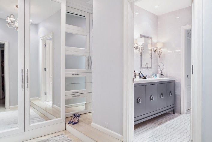 Mix and Chic like the glass closet door built-ins.