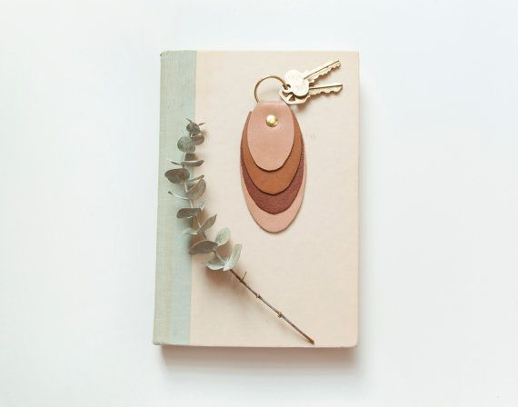 A leather keychain with understated elegance.