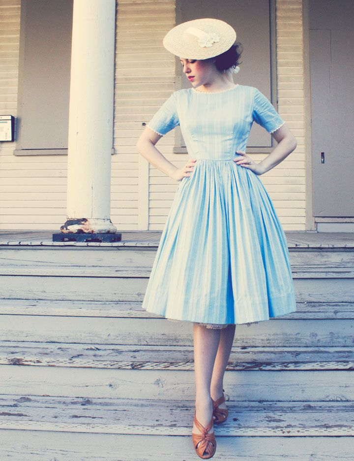 blue dress...straw hat...love it!