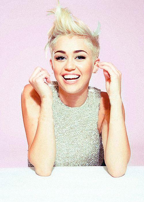 """Miley Cyrus.... Everytime I see a pic of her I start singing """"and iiiiiiieeeeeyeeeeeee will alwayssss loooveee youuuuuu"""""""