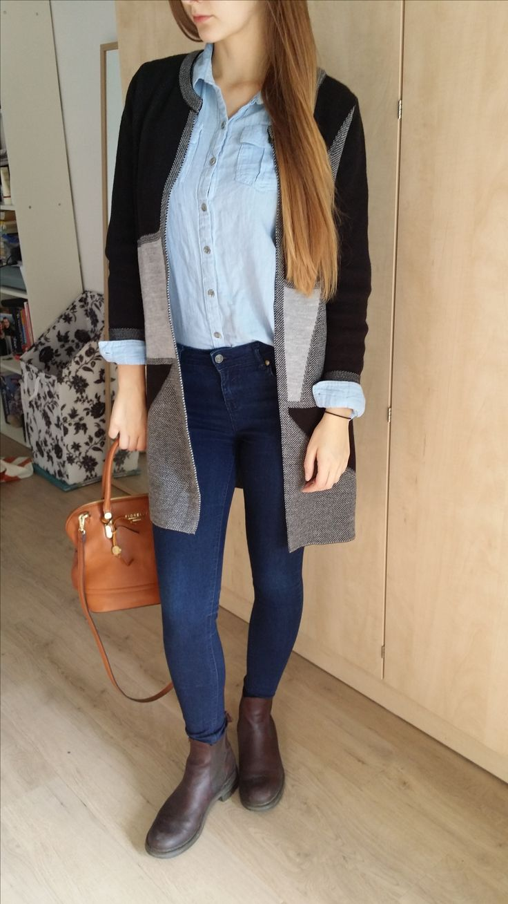 Casual outfit for winter or fall #fashion #style #cardigansweater #autumnfashion #ankleboots