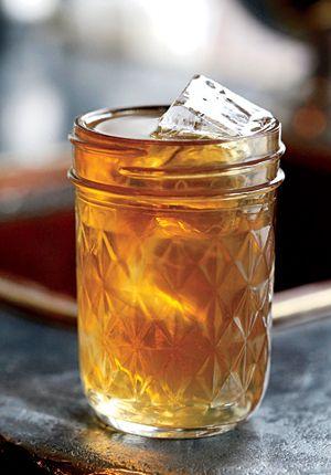 Best Ways To Drink Whiskey / GQ