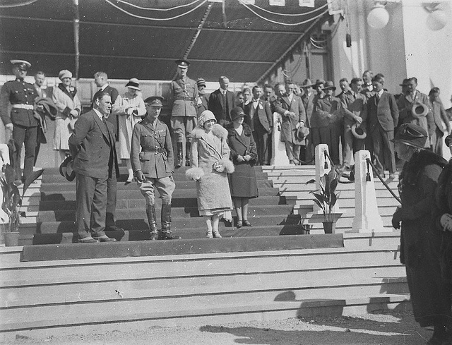 HRH Duke and Duchess of York on dais of Parliament House, Canberra, 9 May 1927 / Sam Hood.  Find more detailed information about this photographic collection: http://acms.sl.nsw.gov.au/item/itemDetailPaged.aspx?itemID=9299.  From the collection of the State Library of New South Wales www.sl.nsw.gov.au.