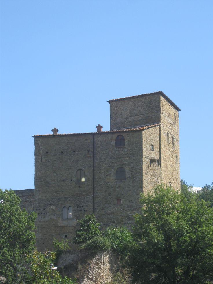 Il castello dalla carrozzabile