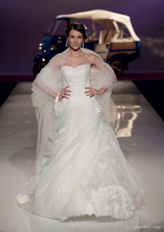 Collezione abiti da sposa #Nicole, abito da #sposa modello Nara