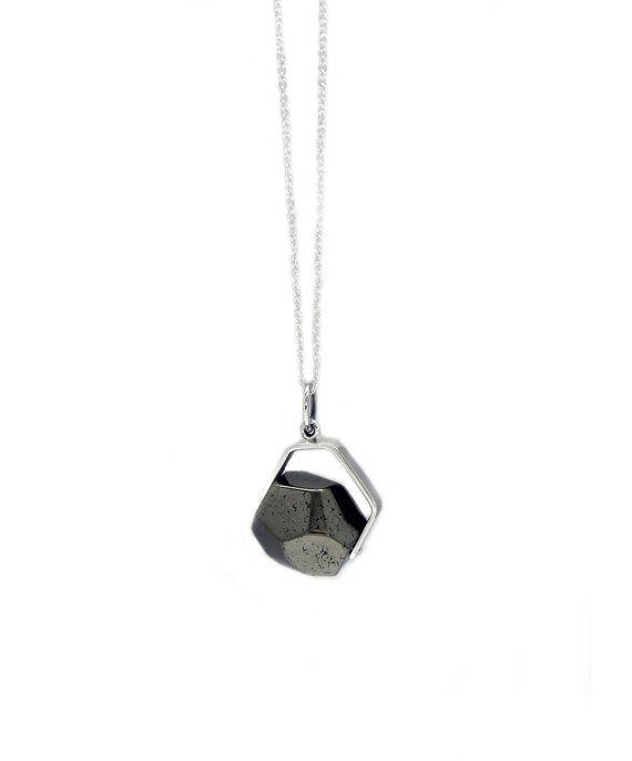 Pendentif pyrite  Large par Maksym sur Etsy. $84.00 1 en stock