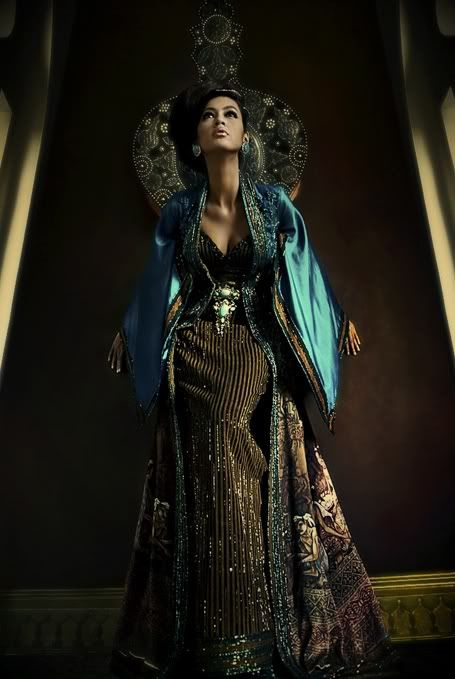 When Feminist Fashion Goes Couture: Anne Avantie, Indonesian Designer (Multicultural Steampunk)