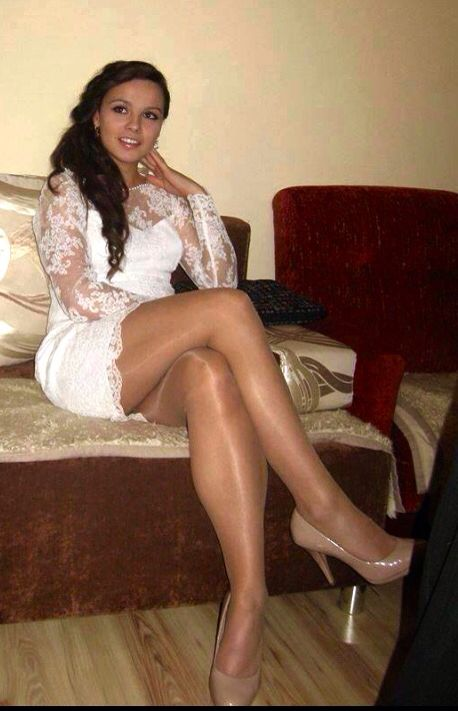 Damn sexy pretty trannies with great legs