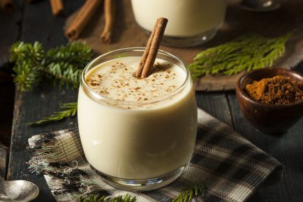 Cinnamon milk to boost your health.  Cinnamon enhances the way in which antioxidants can help the body protect itself against cough and cold. Cinnamon is also great for oral care. Its strong anti-fungal and anti-microbial properties kill harmful bacteria that can attack gums and cause inflammation.