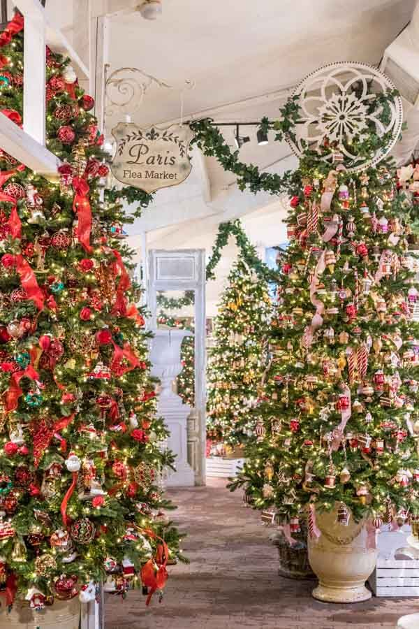 2407673ac86b27a6bce75b20e98c04ab - When Does Rogers Gardens Decorated For Christmas