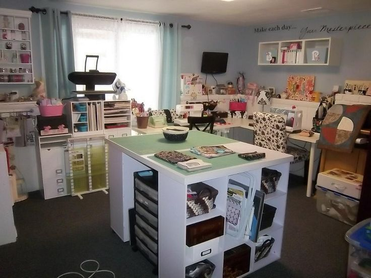 107 best sewing room images on pinterest sewing rooms for Sewing room layout