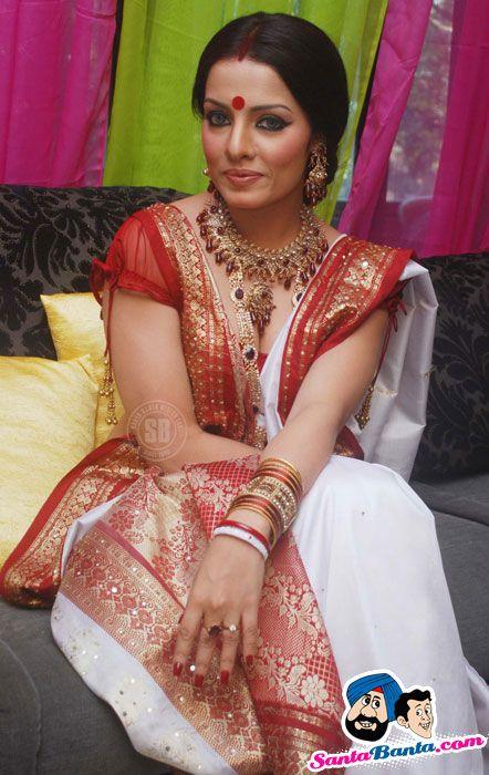 Indian beautiful housewife real indian house wife matineemasala - 3 2