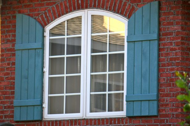 1000 ideas about red brick homes on pinterest brick homes red brick houses and brick houses for Interior paint colors that go with red brick