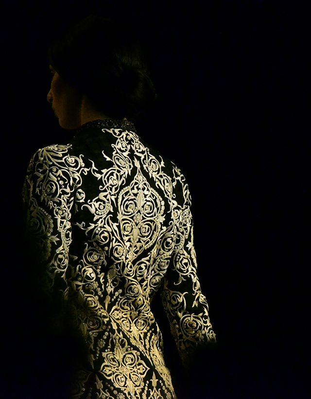 JJ Valaya – Delhi Couture Week Gorgeous #Details #IndianFashion