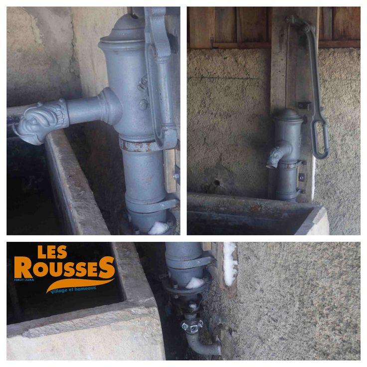 Remise en état de la pompe de la fontaine de Trélarce avec l'ajout d'un système de purge pour éviter le gel pendant la saison hivernale.