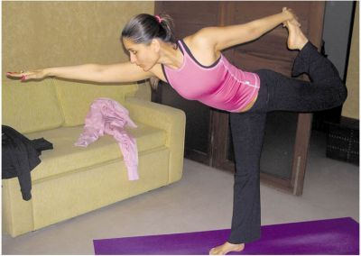 Kareena Kapoor Workout Routine And Diet Plan For Weight Loss