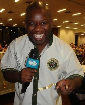 Igor Sorriso of Sao Clemente (Rio) is the new voice of Sao Paulo's Mocidade Alegre!! (Article in Portuguese)