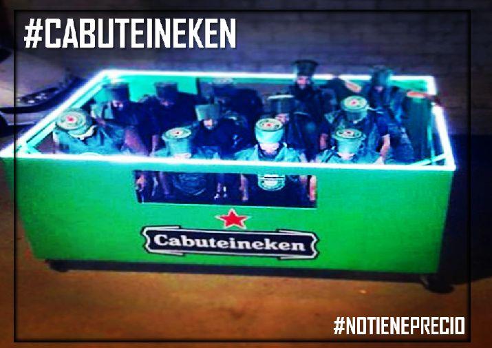 """""""Porque la #Cabuteineken está de moda"""". Y esta imagen NO tiene precio. Y estos chicos son unos máquinas. #Heineken Piensa en verde"""