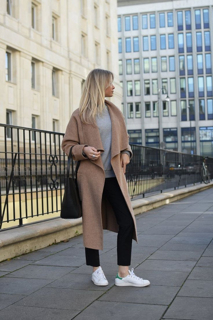 Camel coat. sneakers look street style BLOG Every Style www.everystyle.pl