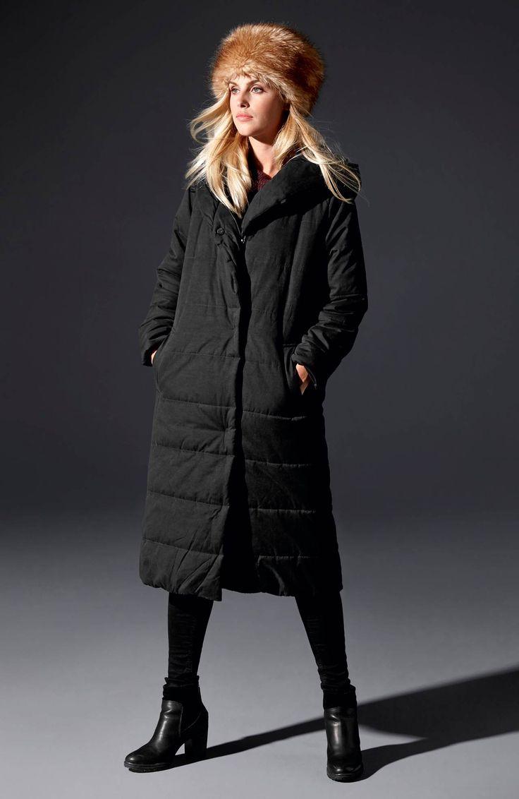 Długi, ocieplany płaszcz, model Valentina marki Happy Holly, 369 zł.