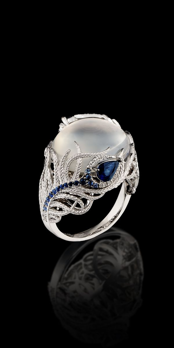Master Exclusive Ring ~ Pearl, sapphires and diamonds