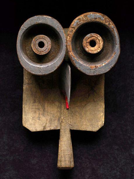 Thierry W Despont, vereenvoudigd/ gestileerd=Bij een gestileerde vorm zijn alleen de belangrijkste kenmerken van die vorm nog te zien. Een gestileerde vorm ontstaat door vereenvoudiging.