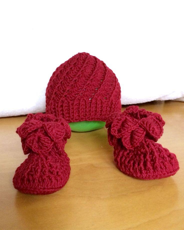 Set berretto e calzini per neonato in cotone rosso for Cartamodello per papillon