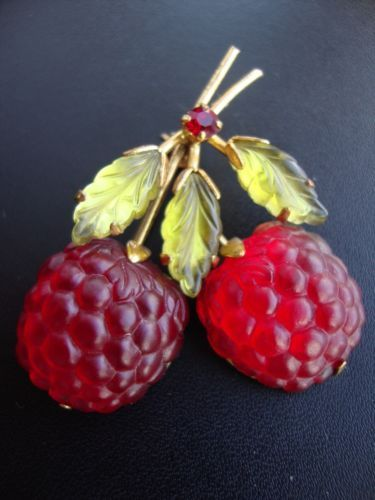 Vintage-Austrian-Austria-Crystal-Double-Ruby-Red-Raspberry-Fruit-Pin-Brooch