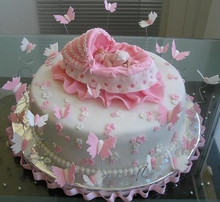 """Торт на рождение девочки """"Младенец и бабочки"""""""