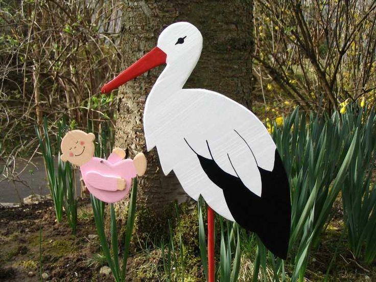 Storch aus Holz mit Baby incl. Bodenplatte 60cm von Herzallerliebst Wohnaccessoires auf DaWanda.com