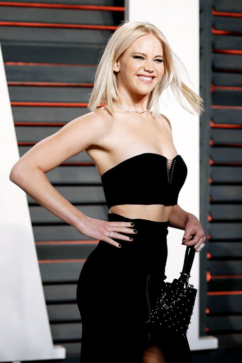 "j-lawperfection: "" ""Jennifer Lawrence attends the 2016 Vanity Fair Oscar Party Hosted By Graydon Carter at the Wallis Annenberg Center for the Performing Arts on February 28, 2016 in Beverly Hills,..."