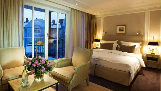 Top Hotels -   Palace Hotel Munich  http://www.bestdesignguides.com/best-design-guides-munich/