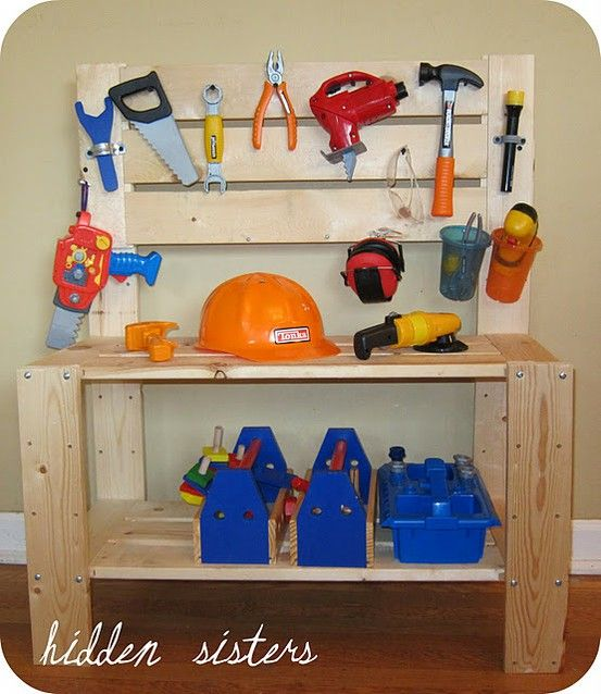 25 handmade gifts for boys....: Workbenches, Work Benches, For Kids, Gifts Ideas, Boys Gifts, Homemade Gifts, Diy Gifts, Tool Bench, Tools Benches