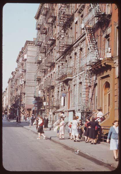 NYC. clinton street 1941 : charles cushman