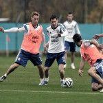 La selección Argentina realiza su primer entrenamiento en Brasil