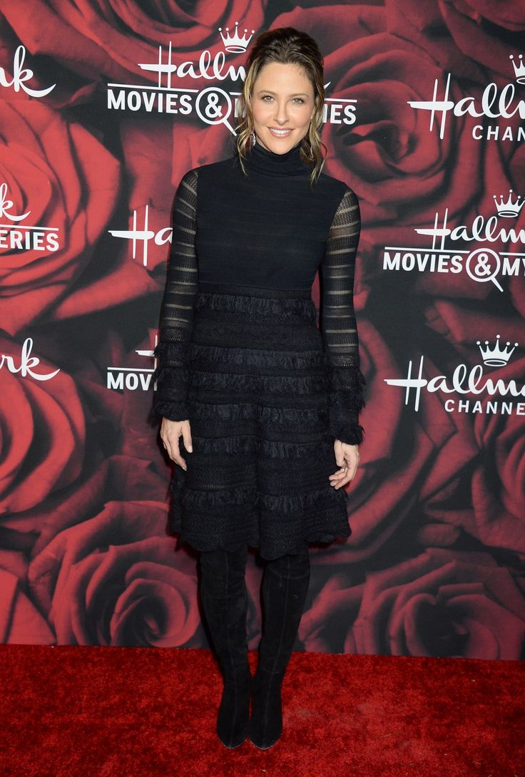 Thread Jill Wagner  #ThreadJillWagner Hallmark Channel TCA Winter Press Tour in LA 11/01/2017 Celebstills T Thread Jill Wagner