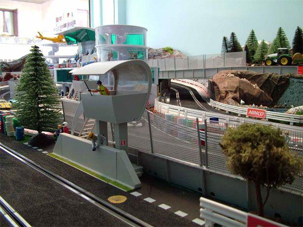 Ecco la mia prima creazione: pista ninco di 23 metri. Slot Car TracksSlot  ...