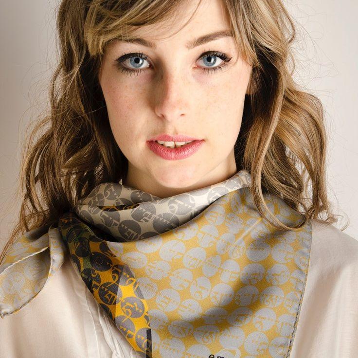 Carré Soie Geisha Gold#fashion#accessoire#femme#foulard#textile intelligent#fleurs de Bach#scarf#bach flowers#emotis