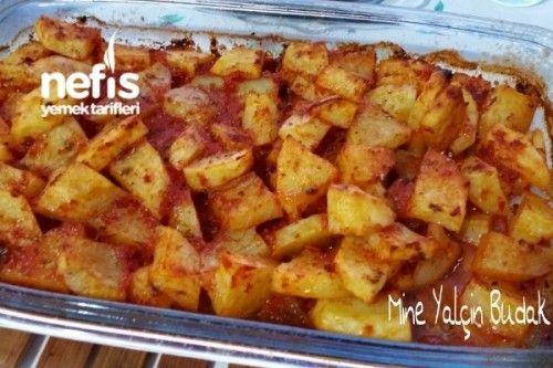 Fırında Soslu Patates Et yemeklerinin yanına yapabileceğiniz yada ekmeği…