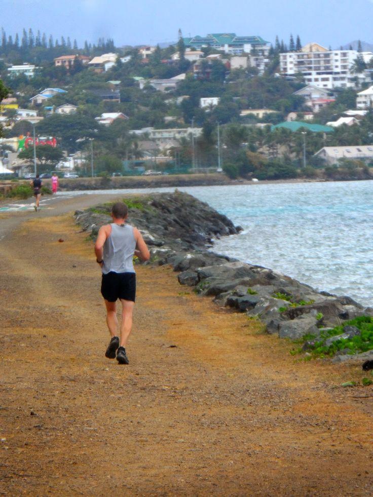 Y'a que les routes qui sont belles...: Promenade Pierre Vernier à Nouméa