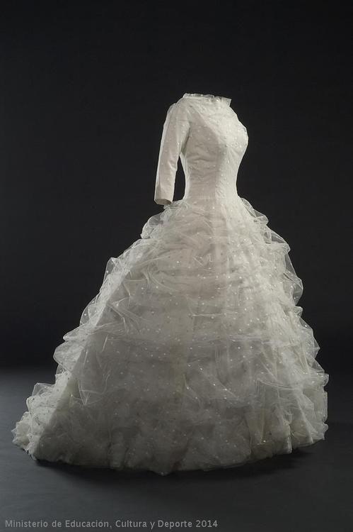 Wedding Dress Cristobal Balenciaga, 1957 Museo del Traje