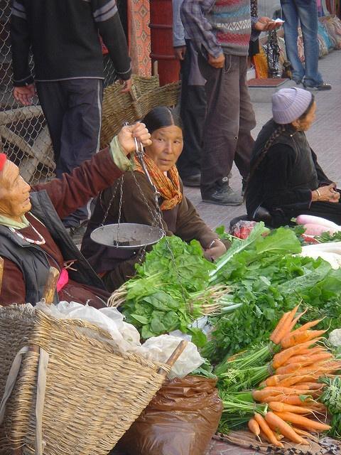 Street traders in Leh