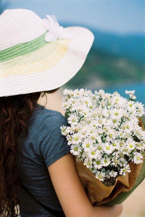 картинки для авы ватсап весна хотя именинница, так