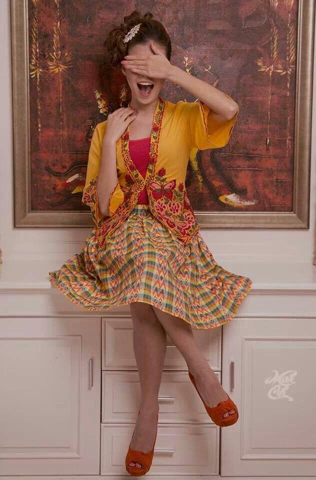 Kebaya Encim & sarung ball skirt