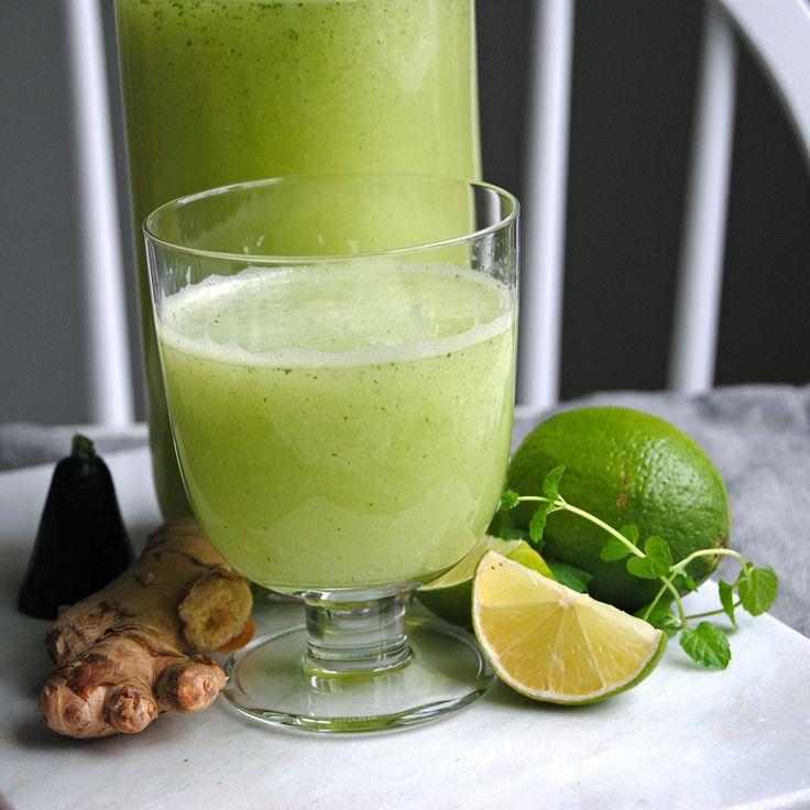 En alkoholfridrink full av vitaminer. Lika god till frukost som till fest. Jag kallar den ingefärsshot 2.0 då den har lika mycket nyttigheter men går att dricka mer av. Svalkande och enkel att