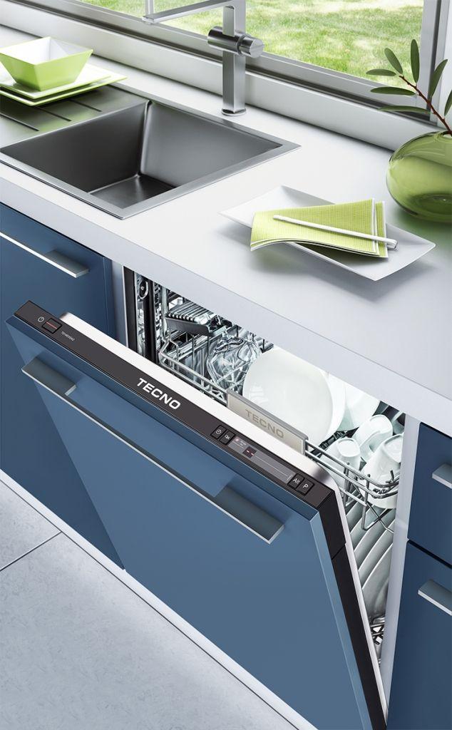 Lava louças de embutir TD14EX. Lava-louças de embutir com porta e rodapé customizáveis - permite aplicar o mesmo acabamento e puxador dos móveis para uma sofisticada integração com o projeto de cozinha. #TECNO #LAVALOUCAS